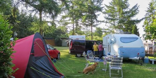 Unser Camping-Lager am Feriendorf Pulvermaar.