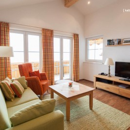 Wohnzimmer Wohnung 2 – Ferienhaus Traumblick
