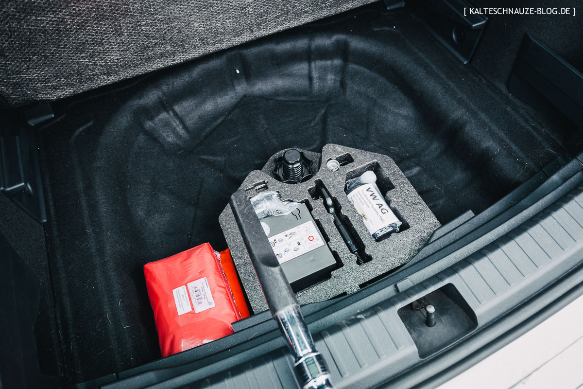 Getestet Im Seat Ateca Der Kofferraumschutz Für Hunde Von